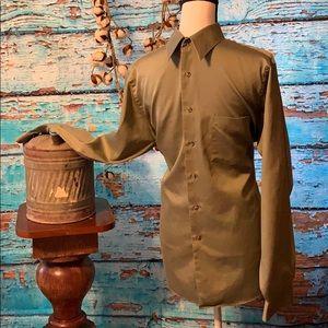 Arrow Men's Sateen Dress Shirt